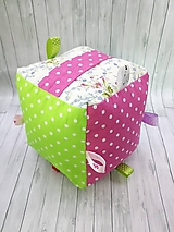 Hračky - Montessori hracia kocka pre dievčatko - 9883673_