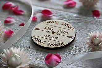 Darčeky pre svadobčanov - Drevená svadobná magnetka - 9884823_