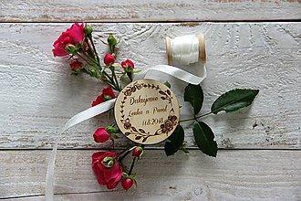 Darčeky pre svadobčanov - Drevená svadobná magnetka - 9884904_
