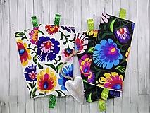 Detské doplnky - Ochranné návleky na popruhy na ergonosič folk kvety čierne a biele - 9887920_