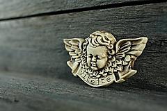Dekorácie - Reliéfní anděl patina burel vitajte - 9886784_