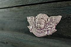 Dekorácie - Reliéfní anděl lila welcome - 9886844_