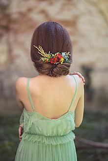 Ozdoby do vlasov - Folklórny kvetinový hrebienok do vlasov - 9891978_