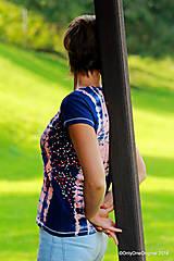 Topy, tričká, tielka - Dámske tričko batikované, maľované  POD LAMPOU - 9889273_