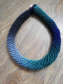 Náhrdelníky - Háčkovaný náhrdelník - špirálový (Modrá) - 9891139_