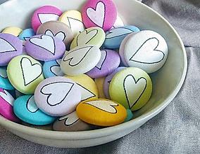 Pierka - Svadobný odznak srdiečko - farebné - 9888458_