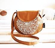 Kabelky - Okrová kabelka s bielou maľovanou mandalou - 9892597_