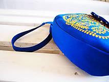 Kabelky - Maľovaná modrá kabelka s žltým folk motívom - 9894255_