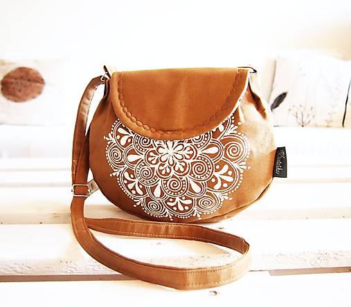 Okrová kabelka s bielou maľovanou mandalou   DARTASKA - SAShE.sk ... e5611528349