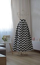 - MAXI saténová sukňa so vzorom  (obvod pásu od 81-90cm) - 9893628_