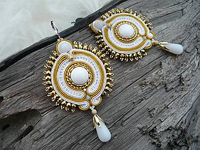 Náušnice - Soutache Náušnice Svadobné zlato-biele - 9898850_