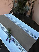 Úžitkový textil - Ľanová štóla, obrus s krajkou - 9898277_