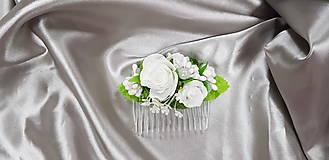 Svadobný kvetinový hrebienok do vlasov z bielych ruží