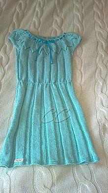 Šaty - Pletené svetlomodré dievčenské šaty - 9897320_