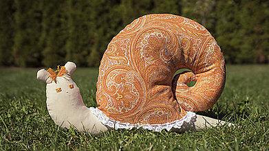 Úžitkový textil - Vankúš slimák - 9900610_