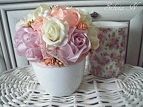 Dekorácie - Ruže zo saténových stúh :) - 9900516_