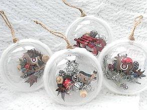 Dekorácie - Vianočné gule 4 ks sada v tradičnej červenej - 9900093_