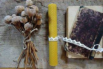 Svietidlá a sviečky - sviečka z včelieho vosku- veľká- s čipkou 2 - 9901525_