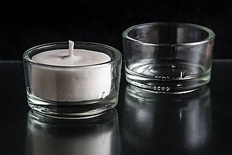 Svietidlá a sviečky - Sójová čajová sviečka BIELA v svietničku - 9899342_