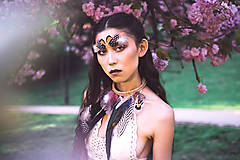 Náhrdelníky - Bohémsky náhrdelník z peria a eko kože - 9900466_