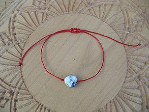 Náramky - jednoduchý šnúrkový náramok s Magnezitovým srdcom - 9899333_