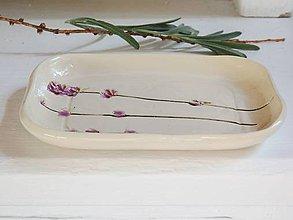 Nádoby - Keramická krémová mydelnička s levanduľou - 9903940_