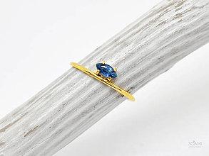Prstene - 585/14k zlatý prsteň s prírodným zafírom - 9903153_