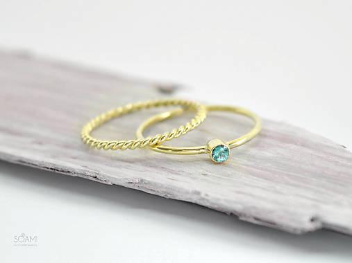 0117996d0 585/14k zlatý zásnubný komplet prsteňov s prírodným zeleným smaragdom