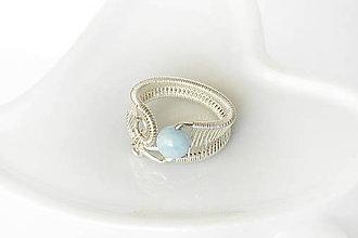 Prstene - vypletaný prsteň s akvamarínom / Ag - 9910487_