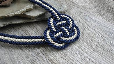 Náhrdelníky - Uzlový náhrdelník hrubý z troch šnúr 5mm (tmavomodrý so smotanovou č. 2369) - 9909622_