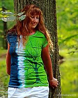 Tričká - Dámske tričko batikované, maľované NA CESTE - 9911103_