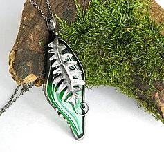 Náhrdelníky - Cínový šperk zo sklom  - Papradie - - 9910921_