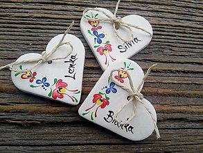 Darčeky pre svadobčanov - svadobné srdiečka / folklór - 9913674_