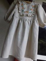 Detské oblečenie - Ľanové ručne vyšívané šatočky - 9910910_