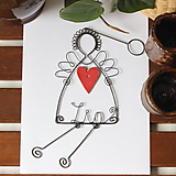 Dekorácie - anjel s červeným, keramickým srdiečkom a menom - 9915125_