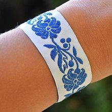 Náramky - Folklórny náramok bielo-modrý - 9914925_