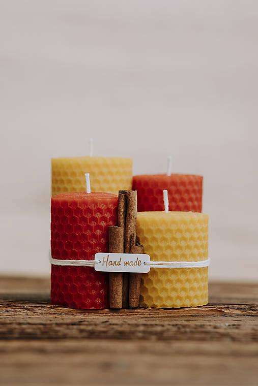 Sviečka zo 100% včelieho vosku - Točené hrubé - Červené