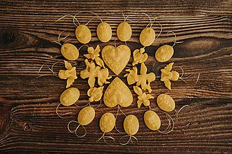 Dekorácie - Vianočné ozdoby zo 100% včelieho vosku 24ks v darčekovej krabičke - 9915228_