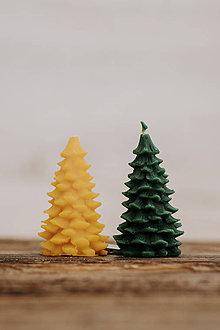 Svietidlá a sviečky - Sviečka zo 100% včelieho vosku - Vianočný stromček (Žltá) - 9915566_