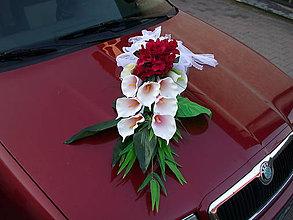 Nezaradené - Svadobná dekorácia autá - Umelé kvety, kaly a ruže - 9915452_