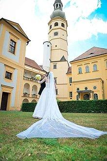 Ozdoby do vlasov - Trblietavý, dlhý, svadobný závoj 3 m - 9915694_