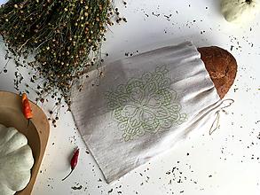 Úžitkový textil - Ľanové vrecko na pečivo s výšivkou - 9917212_