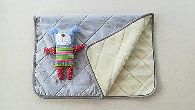 Textil - RUNO SHOP Deka 100% ovčie rúno MERINO ELEGANT GREY pastelová šedá - 9918255_