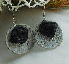 Náušnice - vintage náušničky s ružičkou - 9921158_