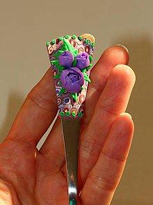 Darčekové poukážky - Lyžička - fialové ruže- - 9919997_