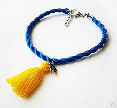 Náramky - Modro-žltý strapcový náramok so štvorlístkom - 9925007_
