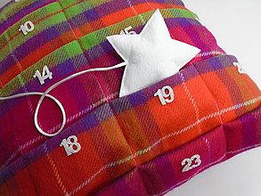 Úžitkový textil - Vianočný vankúšik 2 v 1 - 9922738_