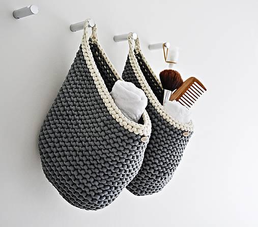 Pletený košík s uškom - tmavosivá/prírodná