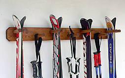 Závesný držiak na 4 páry lyží