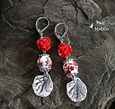 Keramické náušnice, červené, lístky, ruže, striebro